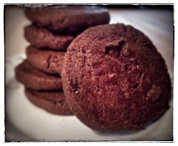 tè nero biscotti al cioccolato
